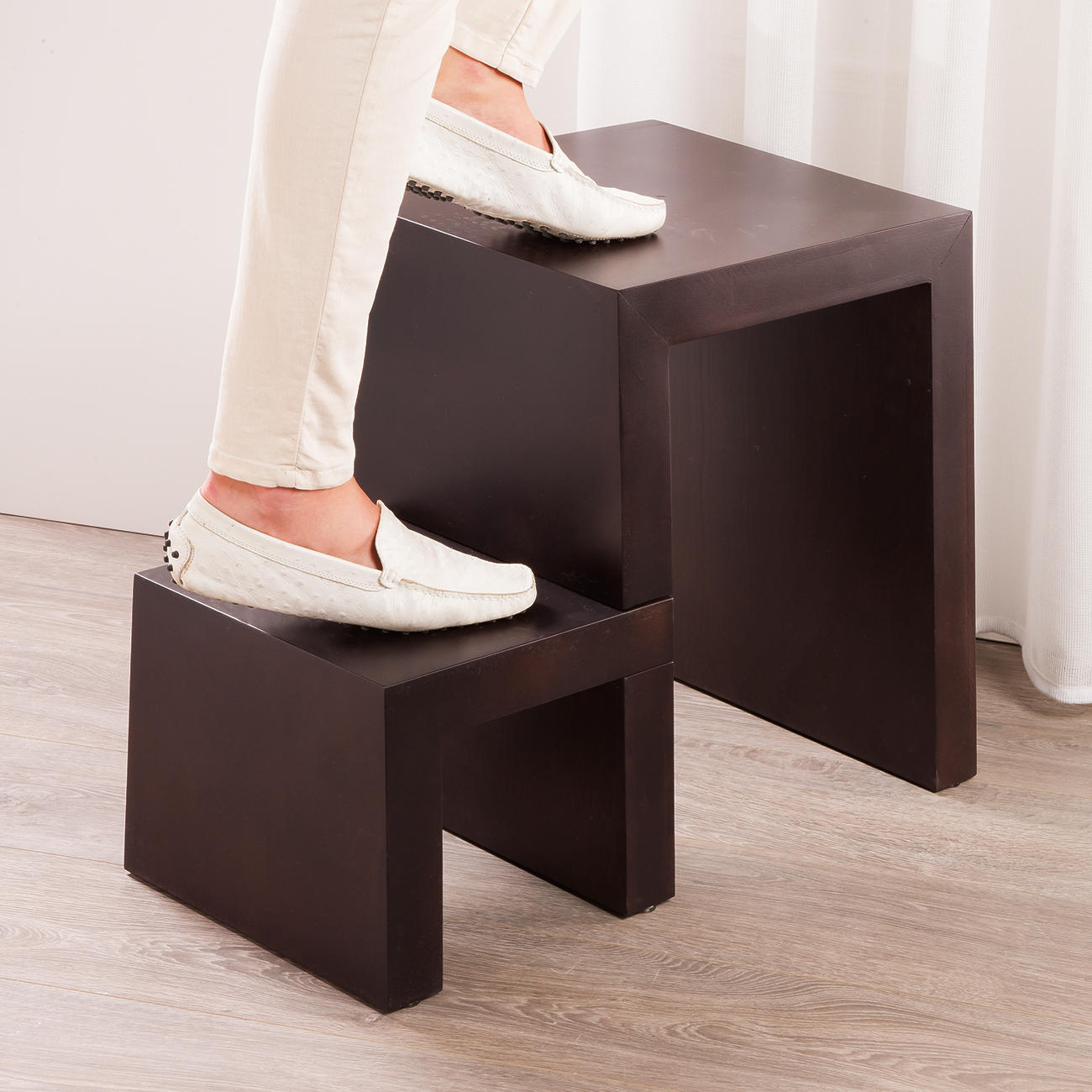 design stufenhocker 3 jahre garantie pro idee. Black Bedroom Furniture Sets. Home Design Ideas