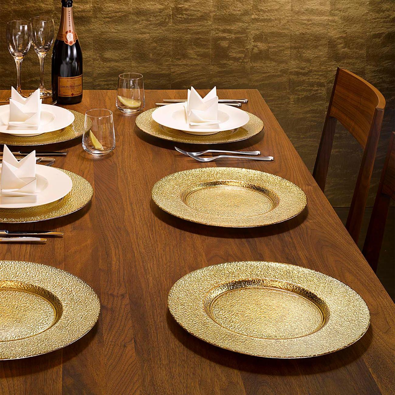 glas platzteller 32 cm durchmesser hammerschlag optik metallic effekt gold. Black Bedroom Furniture Sets. Home Design Ideas