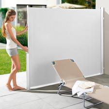 Ausziehbare Seitenmarkise oder Doppel-/Eckmarkise - Ihr perfekter Sonnen-, Sicht- und Windschutz: mit einem Handgriff parat. Nie im Weg.