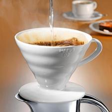 Porzellan-Kaffeefilter Hario - Mit intelligenter Rillenstruktur, 60° Neigungswinkel und großer Durchflussöffnung.