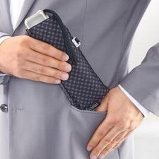 Kaum größer als ein Brillenetui, passt Ihr Minischirm spielend in die Jackentasche.
