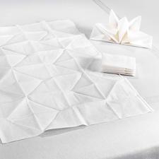 Statt oft nur 33 x 33 cm sind diese Origami-Servietten üppige 60 x 40 cm groß.