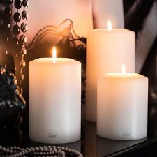 Farluce-Dauerkerze - Täuschend echter Kerzen-Korpus mit Maxi-Teelicht-Einsatz. Für drinnen und draußen.