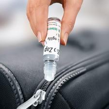 Reißverschluss-Gleitwachs, 3er-Set - Schluss mit schwergängigen Reißverschlüssen. Praktischer Roll-on-Stift mit Silikon-Pflegewachs.