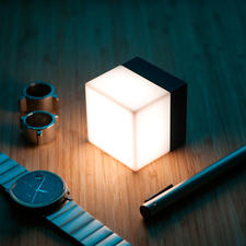 Hightech-Cube - Bisher nie vermisst. Und jetzt plötzlich die beliebteste und vielseitigste Lichtquelle im ganzen Haus (und Garten).