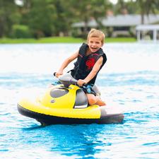 Aufblasbarer Wasserscooter - Einfach aufblasen – schon beginnt der Spaß. Mit Akku für 60 Minuten Fahrspaß. Trägt bis zu 70 kg.