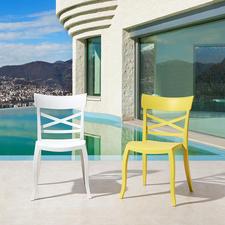 Wohnlicher als die üblichen, oft langweiligen Draußen-Stühle.