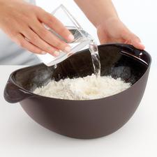 All-in-One-Brotbackform - Zum Wiegen, Mischen, Kneten, Gehen und Backen. Frisches, selbstgebackenes Brot – schnell und einfach wie nie.