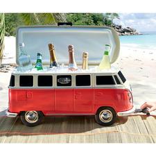 Kultiger geht's kaum: So stylish kühlt sonst niemand seine Getränke am Strand.