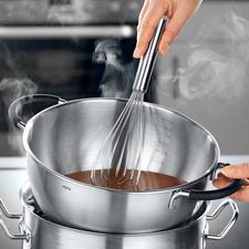 Über dem Wasserbad eignet sich die Schüssel hervorragend zum Schmelzen von Schokolade.