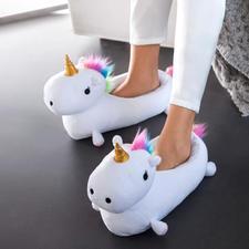 """Hausschuhe """"Einhorn"""" - Märchenhaft warme Füße werden jetzt stylish. Flauschige Hausschuhe. Trendiges Einhorn. Sogar mit Wärmekissen."""