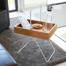 """Tablett-Tisch """"Emil"""" - Vielseitig, platzsparend, leicht und mobil. Aus wertvollem Eichenholz und Aluminium."""