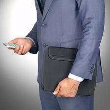 Geschlossen transportieren Sie Tablet und Zubehör sicher, geordnet und griffbereit.