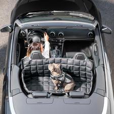 95 °C waschbare Auto-Hundedecke - 100%ig keim-, parasiten- und geruchsfrei zu säubern. Mit Allseiten-Schutz für Rückbank und Kofferraum.