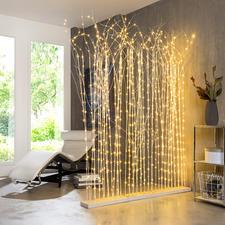 Kombinieren Sie mehrere Leuchten als Raumteiler.