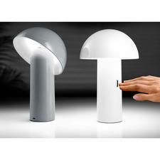 SVAMP Tischleuchte - LED Tischleuchte SVAMP – neigbar, dimmbar, aufladbar. Und erfreulich preiswert.