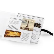 Im hochwertigen, reich bebilderten Booklet (mitgeliefert) erfahren Sie die spannenden Geschichten hinter den Exponaten.