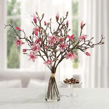 Magnolienstrauß - Unvergängliche Schönheit: täuschend echte Magnolienzweige von fernöstlichem Reiz.