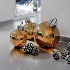 Kugelglanz - Geheimnisvolles Leuchten: riesige Christbaumkugeln mit 100 funkelnden Mikro-LEDs.