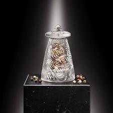 Lalique Pfeffer- oder Salzmühle - Feinste französische Glaskunst. Mit Präzisions-Mahlwerk von Peugeot.