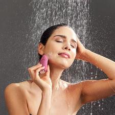 Beurer Gesichtsbürste FC 49 - Modernste Vibrationstechnologie fördert ein ebenmäßiges Hautbild und aktiviert die Blutzirkulation.