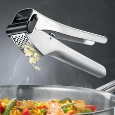 Knoblauchpresse Garlico - Zerkleinert bis zu 3 Zehen zugleich. Auch ungeschält. Ohne großen Kraftaufwand.