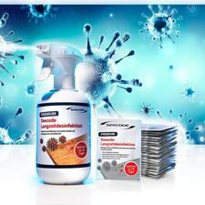 Langzeit-Desinfektionsspray oder -Desinfektionstücher - Stoppt schädliche Keime noch bis zu 10 Tage (!) nach der Anwendung. Schafft nachhaltige Hygiene, schützt besser vor Keimverbreitung und Ansteckungsgefahr.