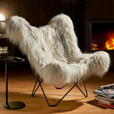 Mariposa Loungesessel - Der berühmte Butterfly Chair – als luxuriöse Re-Edition mit kuschelig langflorigem grey iceland Schaffell.