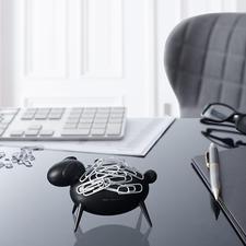 Büroklammer-Schaf - Blickfang auf Ihrem Schreibtisch: Schaf Blacky zieht Büroklammern magnetisch an.