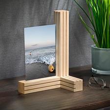 Vario-Bilder-/Kartenhalter - 3 Holzleisten. 12 feine Spalten. Unzählige Möglichkeiten, Fotos und mehr zu arrangieren.