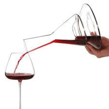 Beim Ausschenken wird Ihr Wein intensiv mit Luft verwirbelt – Geschmack und Aroma können sich voll entfalten.