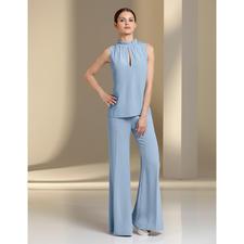 Pinko Seiden-Top oder Palazzo-Hose - Eleganter, monochromer Komplett-Look, 3-fach trendgerecht: Pudriges Hellblau. Fließende Stoffe. Weite Hosen-Form.
