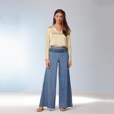 Twin-Set Stretchseiden-Tunika - Elastische Seide. Ecru-farben. Tunika-Form. Die richtige Bluse für verschiedenste Outfits. Und zu jedem Anlass.