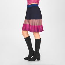 Pinko Plissee-Strickrock - Top-Trend Strickrock - Pinko integriert sogar noch 2 weitere Trends: Plissees und die Farbkombi Schwarz/Rosé/Pink.