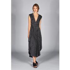 SLY010 Nadelstreifen-Kleid - 6-fach modisch: das Couture-Nadelstreifen-Kleid von SLY010, Berlin.