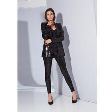 Love Moschino Pailletten-Blazer oder -Hose - Bei anderen schneller Trend, bei Love Moschino bewährter Signature-Style: Pailletten – zieren jetzt den schwarzen Anzug.