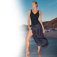 Schwarzer Badeanzug - Sitzt perfekt und schmeichelt Ihrer Figur.