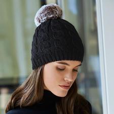 Wechsel-Bommel-Mütze - Geniale Idee zum Fellbommel-Trend: Das Wechsel-System von Accessoire-Designerin Evelyne Prélonge, Frankreich