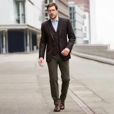 Carl Gross Harris Tweed-Sakko oder -Weste - Original Harris Tweed  – aber viel feiner und leichter als üblich. Sakko und Weste von Carl Gross.