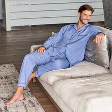Ambassador Gentleman-Pyjama - Ein Must-have jeder gepflegten Garderobe – gefunden bei Ambassador since 1867, Kopenhagen.