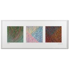 Nähern Sie sich dem Werk von vorne, sind gedeckte Farblinien zu bestaunen.