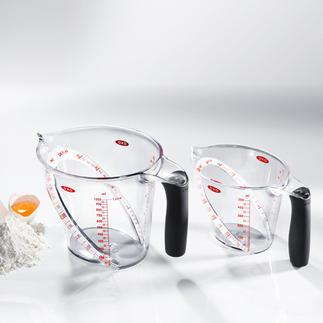 OXO-Messbecher-Set Kein Bücken, kein Halten, kein Schätzen: Die schräge Messskala zeigt die exakte Menge schon beim Einfüllen.