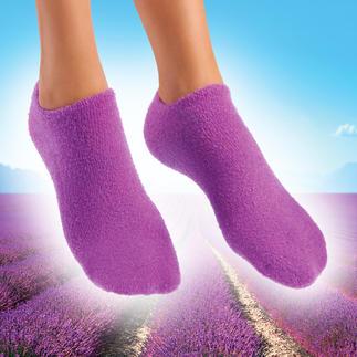 Socken oder Handschuhe mit Pflege-Gel Streichelzart gepflegte Hände und Füße. Pflegendes Jojoba. Erfrischender Lavendel.
