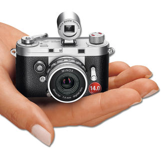 MINOX DCC 14.0 Die Retro-Kamera mit der Digitaltechnik von heute. Ein Meisterwerk der Präzisionsmechanik.