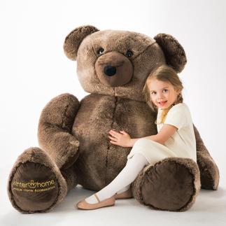 """XXL-Teddybär Winter Creation Schmuseweich, doch strapazierfest – mit naturgetreuem """"Bärenpelz"""" von WINTER CREATION/Schweiz."""