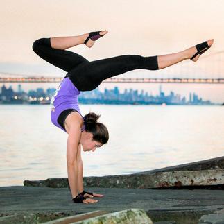 Yoga Paws® Handliche Polster statt sperriger Matte. Ideal für Yoga und Pilates. Überall.
