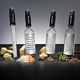 Microplane®-Küchenreiben Dauerhaft messerscharfe photochemisch geätzte Klingen: schneiden präzise und hauchfein statt zu reißen.