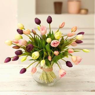 Tulpen-Strauß Ein Frühlingsgruß, der nie verblüht. Und auf Jahre erfreut. Faszinierend naturgetreu wie frisch vom Feld.