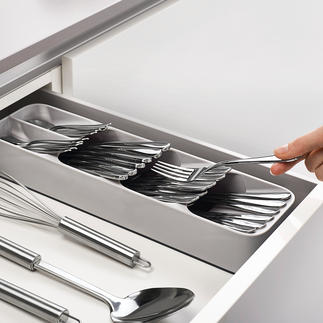 Kompakter Besteck-Organizer Smarter Besteck-Organizer spart über 50 % Platz in der Schublade. Genial einfach und clever. Typisch Joseph Joseph.