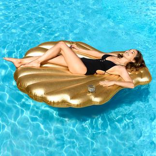Goldene Muschel Ihr stylishes Sommer-Accessoire in Luxus-Version. Zum Sonnen und Entspannen, am Strand und im Pool.